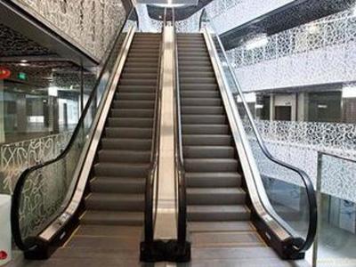 火車站自動扶梯